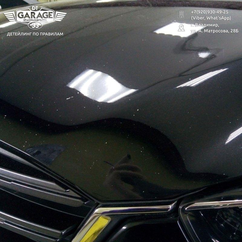 На фото царапины и сколы на капоте Mazda CX-5