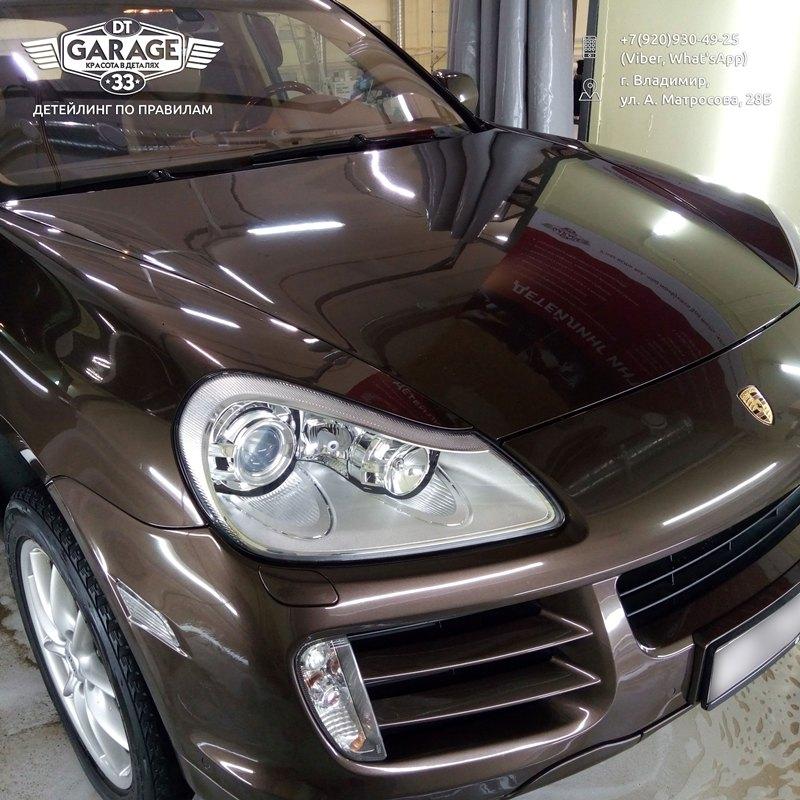 На фото Porsche Cayenne с восстановленным глянцем кузова.