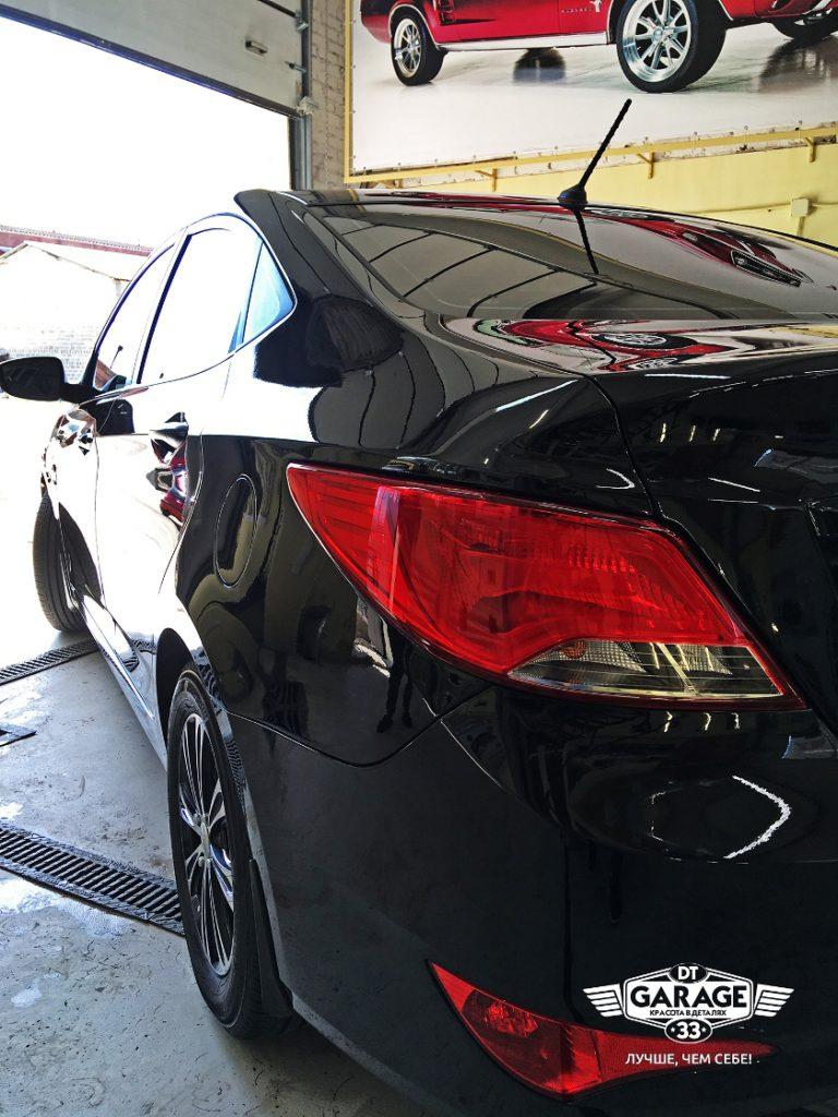 На фото задний фонарь Hyundai Solaris после полировки.