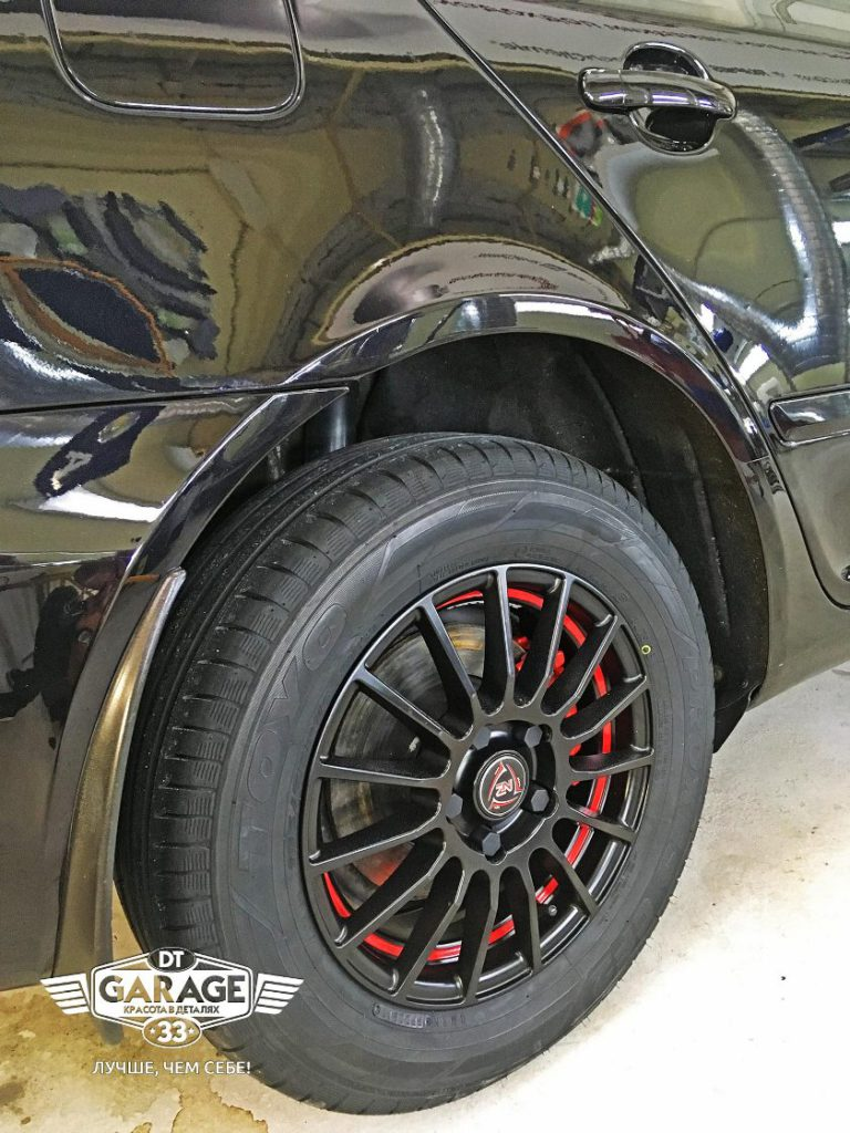 На фото колесо Skoda Octavia после мойки и чистки.
