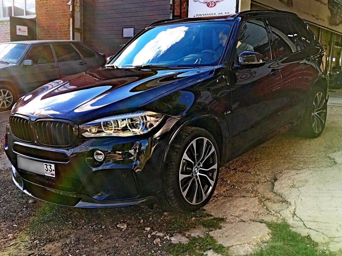 На фото BMW после обслуживания в мастерской DT GARAGE 33 города Владимир.