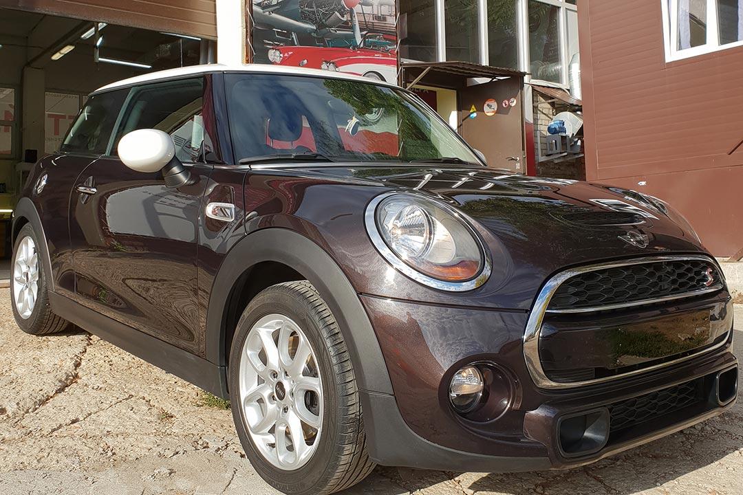 Смотреть фото – профессиональная полировка автомобиля Mini Cooper S.