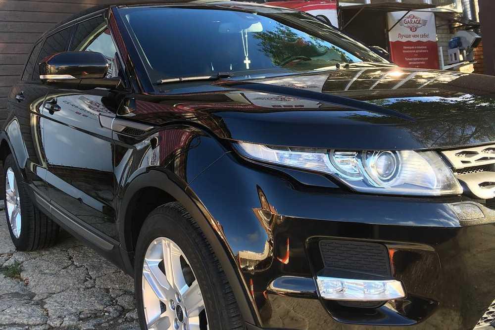 На фото Range Rover Evoque после ремонта царапин и сколов.