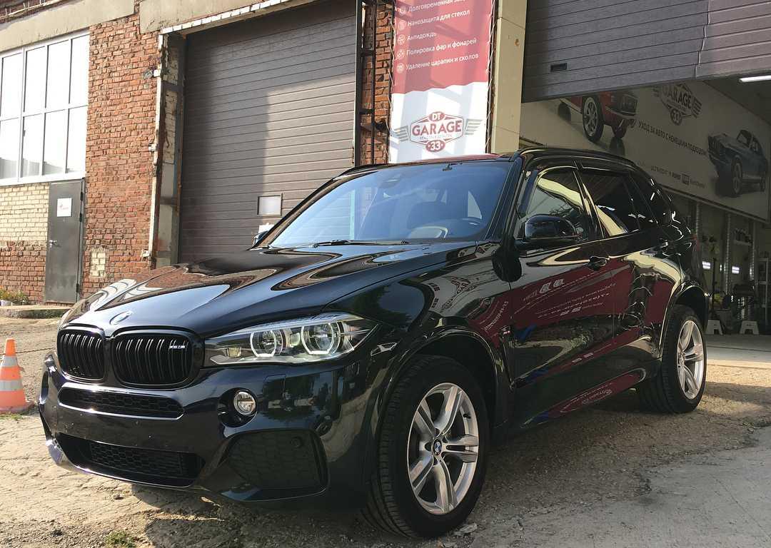 На фото BMW X5 после полировки в мастерской «DT GARAGE 33» города Владимир