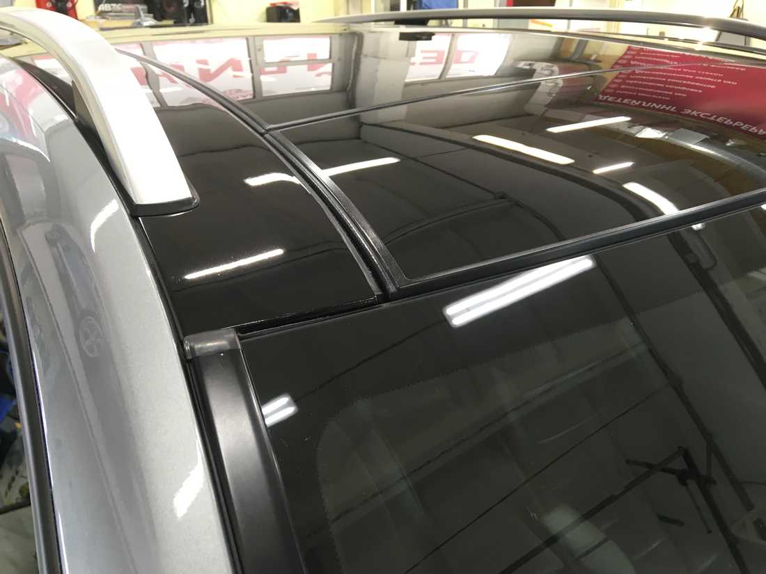 Смотреть фото кормы автомобиля Mercedes-Benz ML, обработанного керамикой 9H+