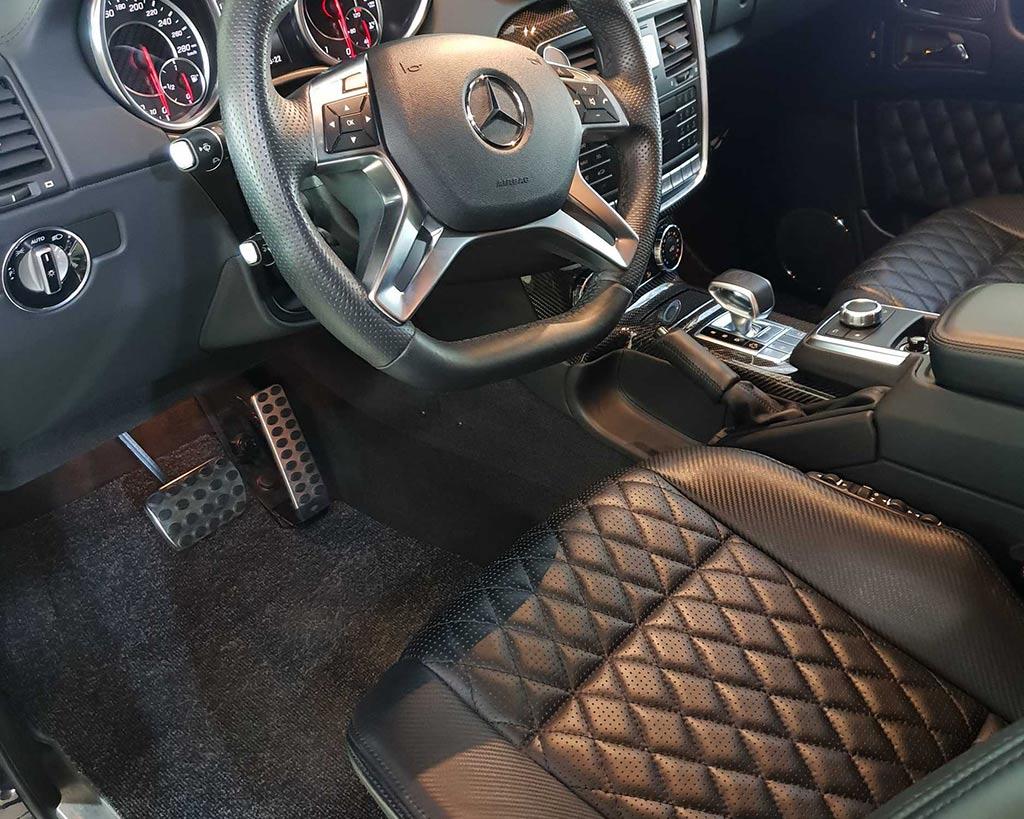 Смотреть на фото салон автомобиля Mercedes-Benz после химчистки в детейлинге DT GARAGE 33 города Владимире.