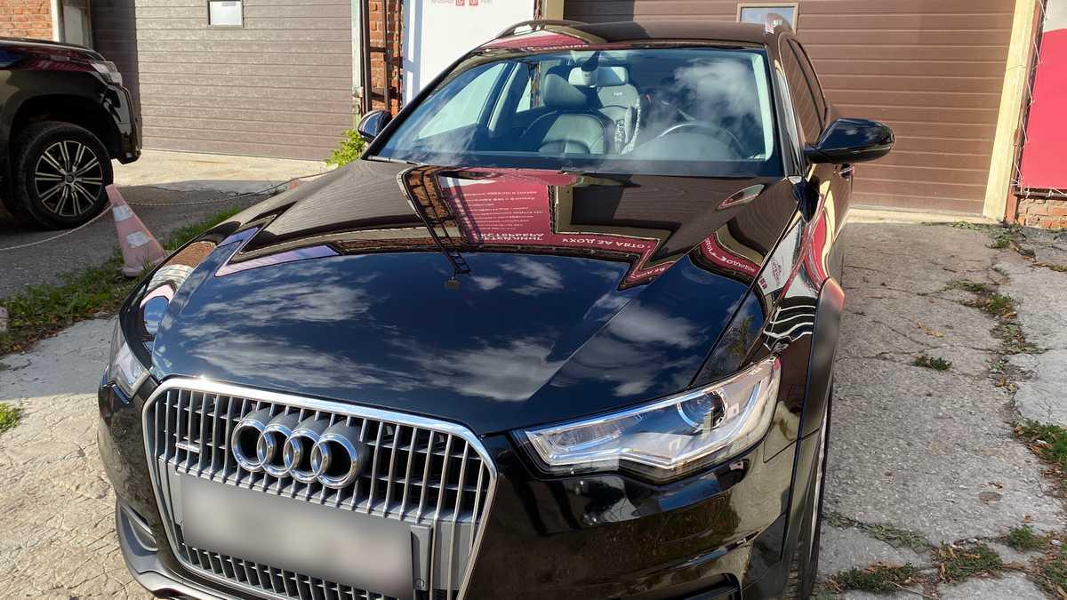 Посмотрите на эту фотографию Audi A6 allroad после защиты полиуретановой антигравийной пленкой PremiumShield.